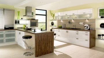 Multifunctional modern kitchens: how to pick up furniture items appropriately?